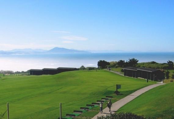 Opération séduction : faîtes découvrir à vos meilleurs clients les golfs du Pays Basque !